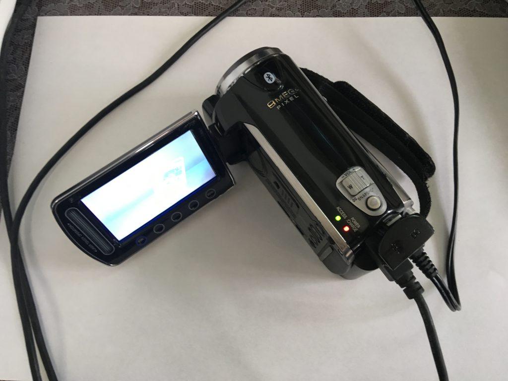 JVCのビデオカメラGZ-HM570